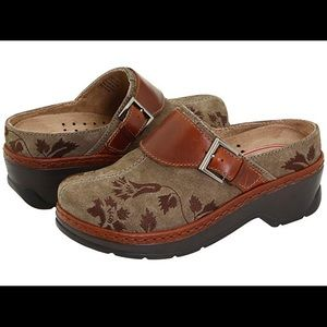 Taupe Tapestry Austin Clogs